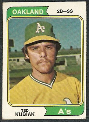 OAKLAND ATHLETICS TED KUBIAK 1974 TOPPS # 228 VG/EX