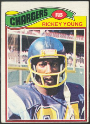 SAN DIEGO CHARGERS RICKEY YOUNG 1977 TOPPS # 384 VG