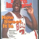 1992 SI CHICAGO BULLS MICHAEL JORDAN CHAMPS VOLLEY BALL MINNESOTA TWINS KIRBY PUCKETT PEBBLE BEACH