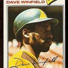 SAN DIEGO PADRES DAVE WINFIELD 1977 TOPPS # 390 VG