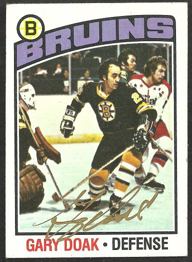 BOSTON BRUINS GARY DOAK AUTOGRAPHED 1976 TOPPS # 1