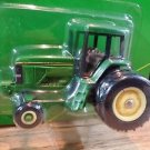 John Deere 7800 Row Crop Tractor with Duals Ertl Diecast 1:64