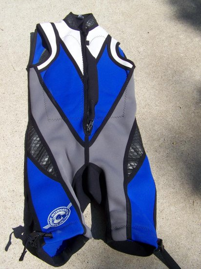 Barefoot Intl' Wetsuit Size 6-8 womens or 8-12 junior girls