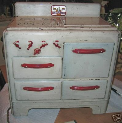 Vintage Pretty Maid Childrens Oven
