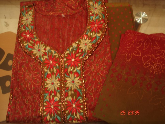 T-398: Embroidered border on neck and sleeves