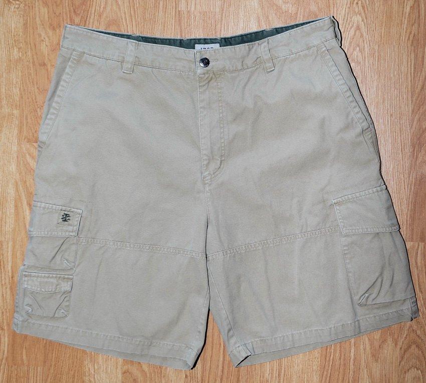 N219 Men's shorts IZOD Size 38 Cagro Beige