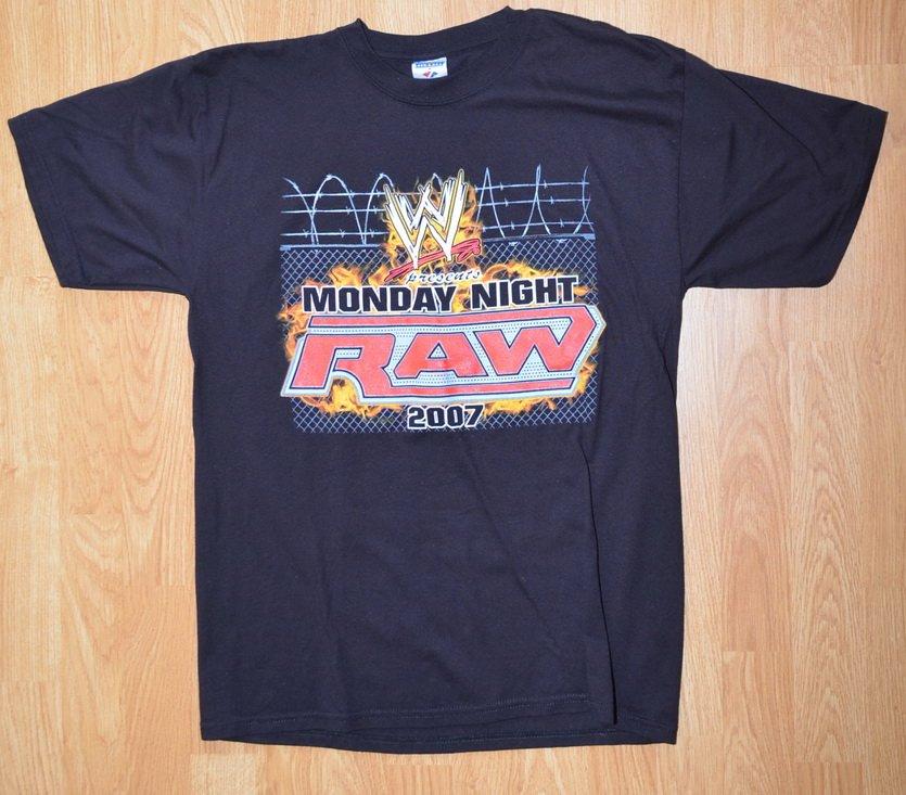 N395 Men's Wrestling T-shirt RAW 2007 Size L