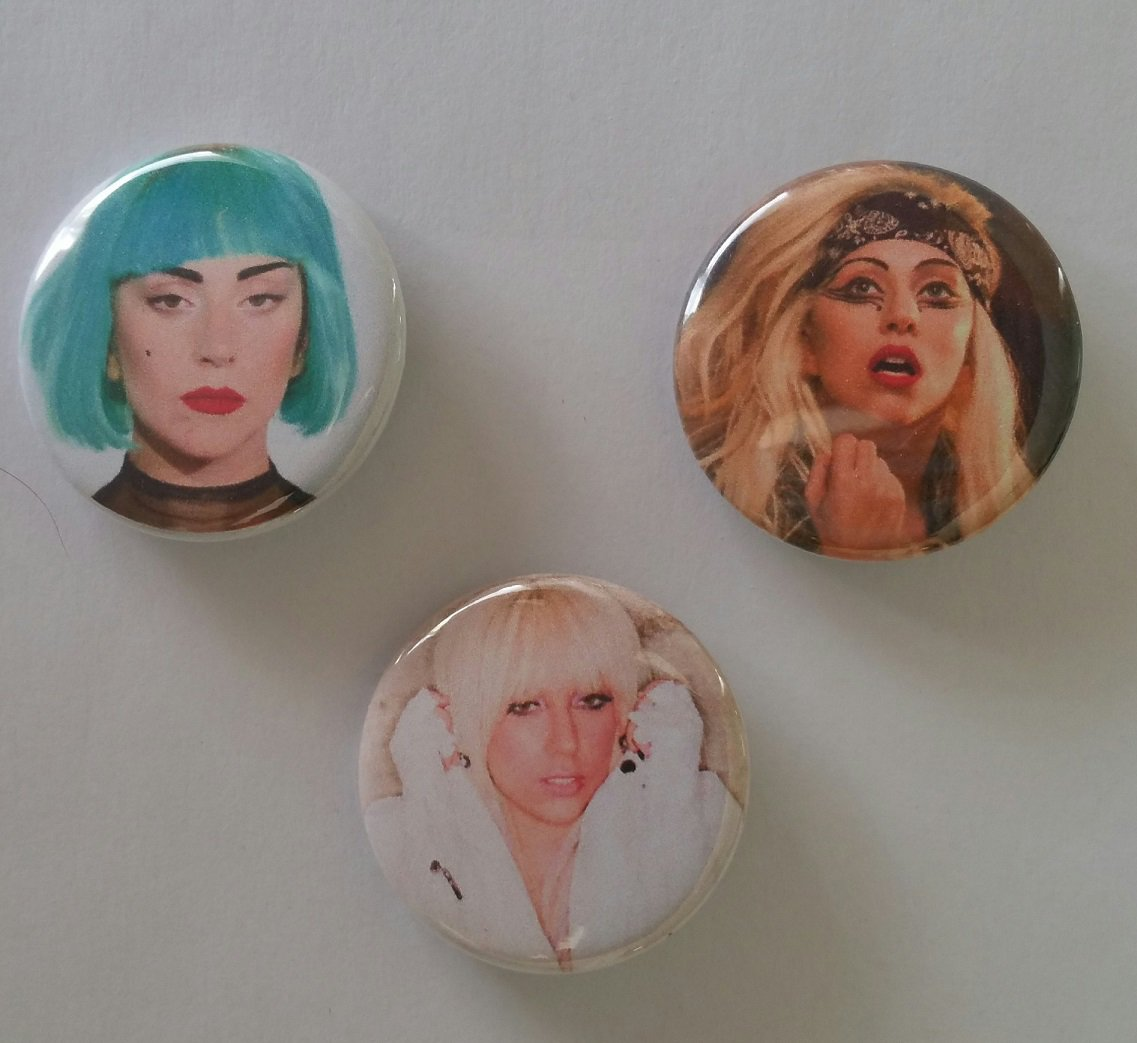 """Lot of 3 1.25"""" Pinback Buttons Badges Lady Gaga (1¼"""" Pins Approx. 32mm)"""