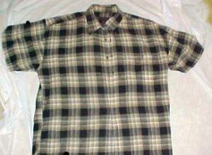 Chaps by Ralph Lauren Mans Plaid Short Sleeve Shirt - Size: Large