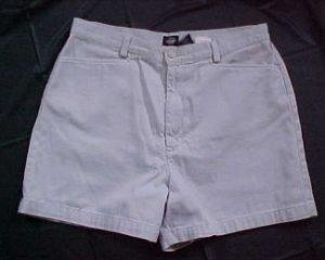 Dockers Top Pockets Petite Khaki Shorts - Size 10Petite