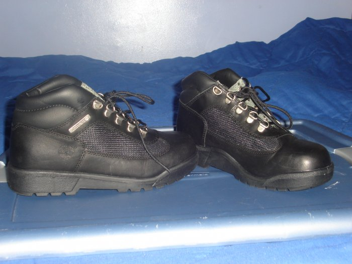 Juniors size 6 Black Timberland Field Boot