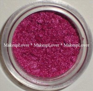 MAC Fuchsia 1/2 tsp. pigment sample