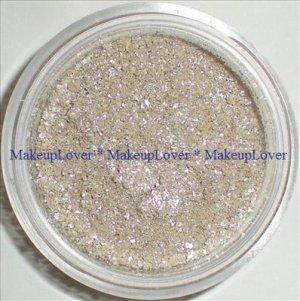 MAC Frost 1 tsp. pigment sample