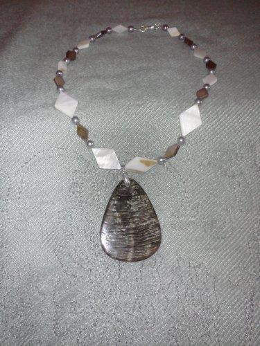 Black Lip Shell Pendant Necklace