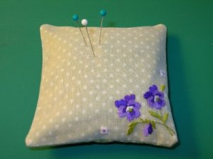 Pincushion ~ Vintage ~ Violets ~ Pin Cushion