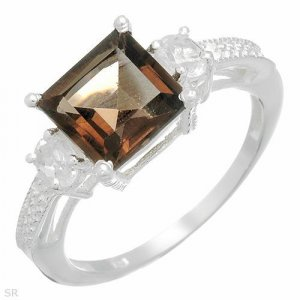 Stylish Ring With 3.20 ctw Genuine Topaz in Sterling Silver. Size6