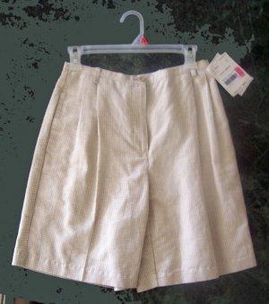 Lizsport Essentials NWT Beige and White Checked Skort Skirt Shorts Size 6