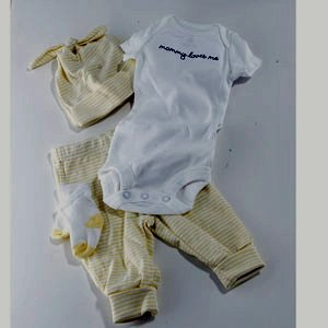 Baby 4 Piece Gerber Mommy Loves Me Set 9 Months