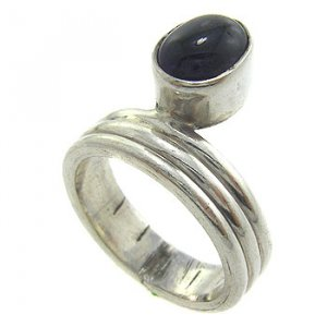 925  Sterling  Silver With Genuine Amethyst  Cabochon Ring size 8