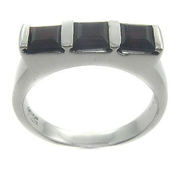925 Sterling Silver Genuine Garnet Ring size 6