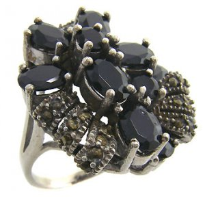 925 sterling silver ring with black cz and marcasite size 8