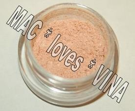 MAC Pigment * FAIRYLITE * 1/2 sample - $ave Pigments