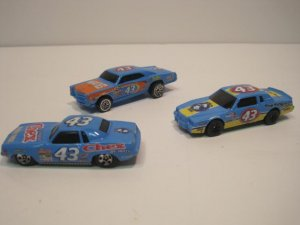 Hotwheels Lot Of 3 Salute To Petty GTO Cuda Grand Prix