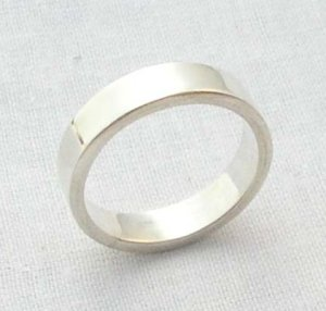 Men's silver band ring, size 8 3/4, 5mm square