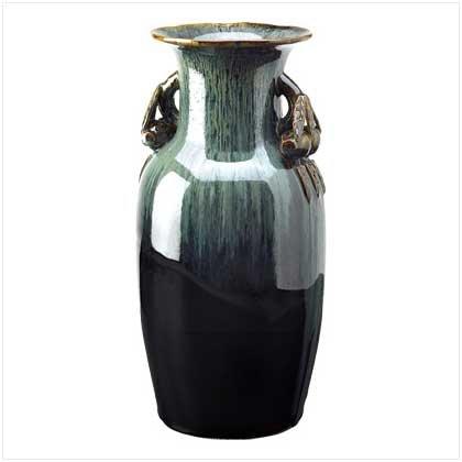 #   39261     An elegant  olive-jar vase