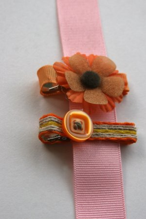 Set of two brown and orange retro alligator clips