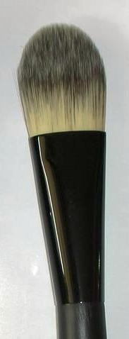 Suesh Foundation Brush