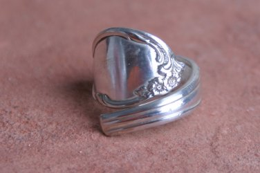 Wm. Rodgers Moonlight pattern from 1939 Silver plate Silverware Spoon Ring # 003  SZ 8.5