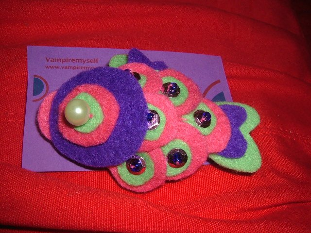 koi-san purple brooch/ japanesse colection