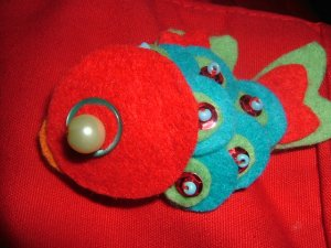 koisan red  brooch / japanesse colection