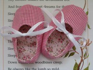 Sweet Little Ribbon Baby Shoes PDF Pattern