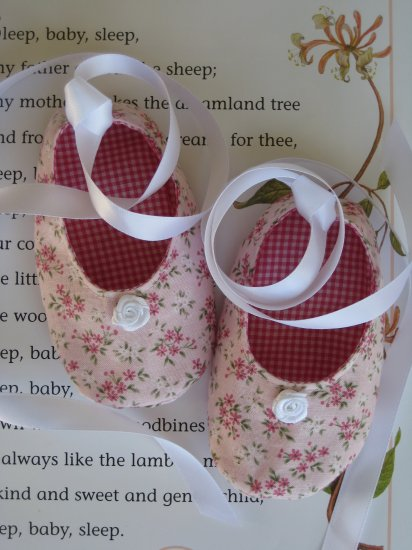 Sweet Little Ballet Baby Shoes PDF Pattern