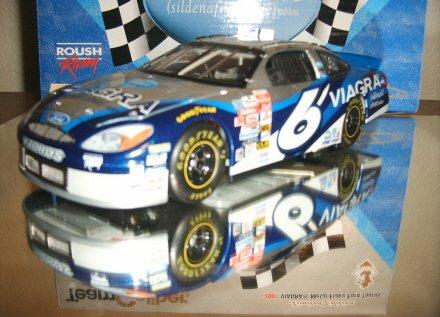MARK MARTIN 2001 VIAGRA FLAKE NIGHT RACE TEAM CALIBER OWNERS 1/24 Nascar Diecast