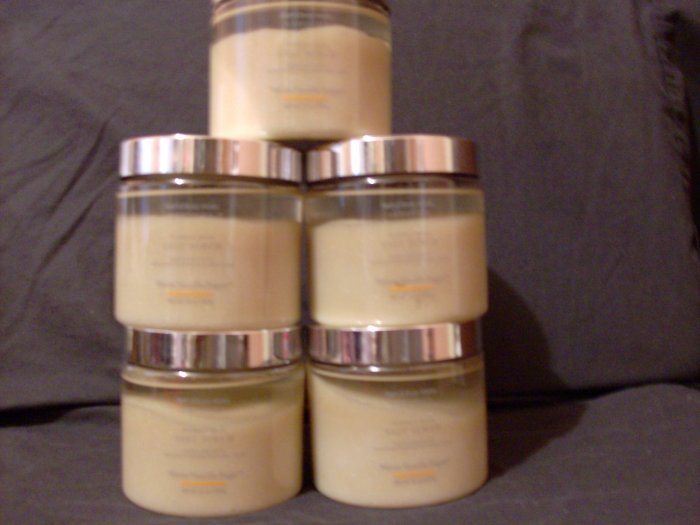 1 Bath & Body Works Warm Vanilla Sugar Scrub Fast Ship