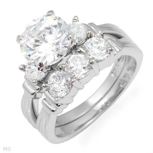 Beautiful  6.56 ctw Cubic Zirconia Engagement Ring Set