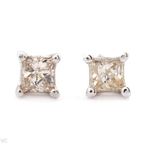 Sprakling .20ct Princess Cut Diamond Earrings White Gold