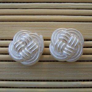 pearly woven stud earrings