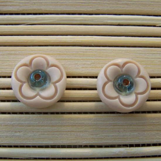 cream flower with blue bead stud earrings