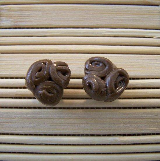 clay brown rose stud earrings