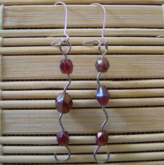 maroon shapley dangle earrings