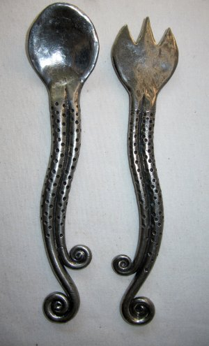 Salad Utensils Set Spoon Fork Artisan Hammered Metal Silver Pewter Color Tendrils 11 Inch