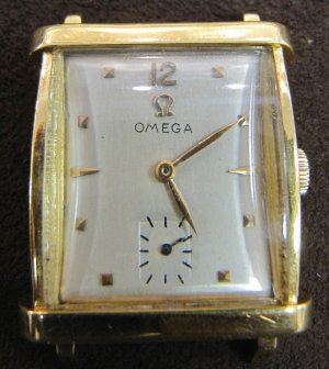 Vintage OMEGA 1940s 18k Gold 17J Ladies Manual Wind Watch Swiss Rect Face Convex Crystal Works