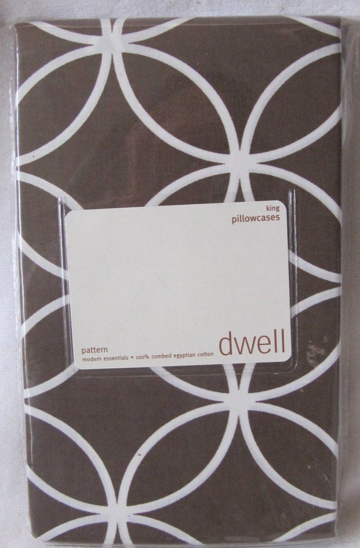 DWELL King Pillowcases Set of Two Chocolate Brown White Rings Egyptian Cotton 210 Thread Ct NIP