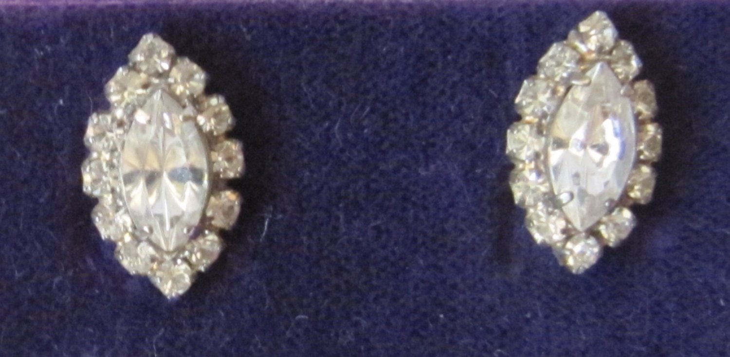 Vintage Cathy's Concepts Pierced Earrings Sparkly Rhinestones Marquis Shaped .5 Inch