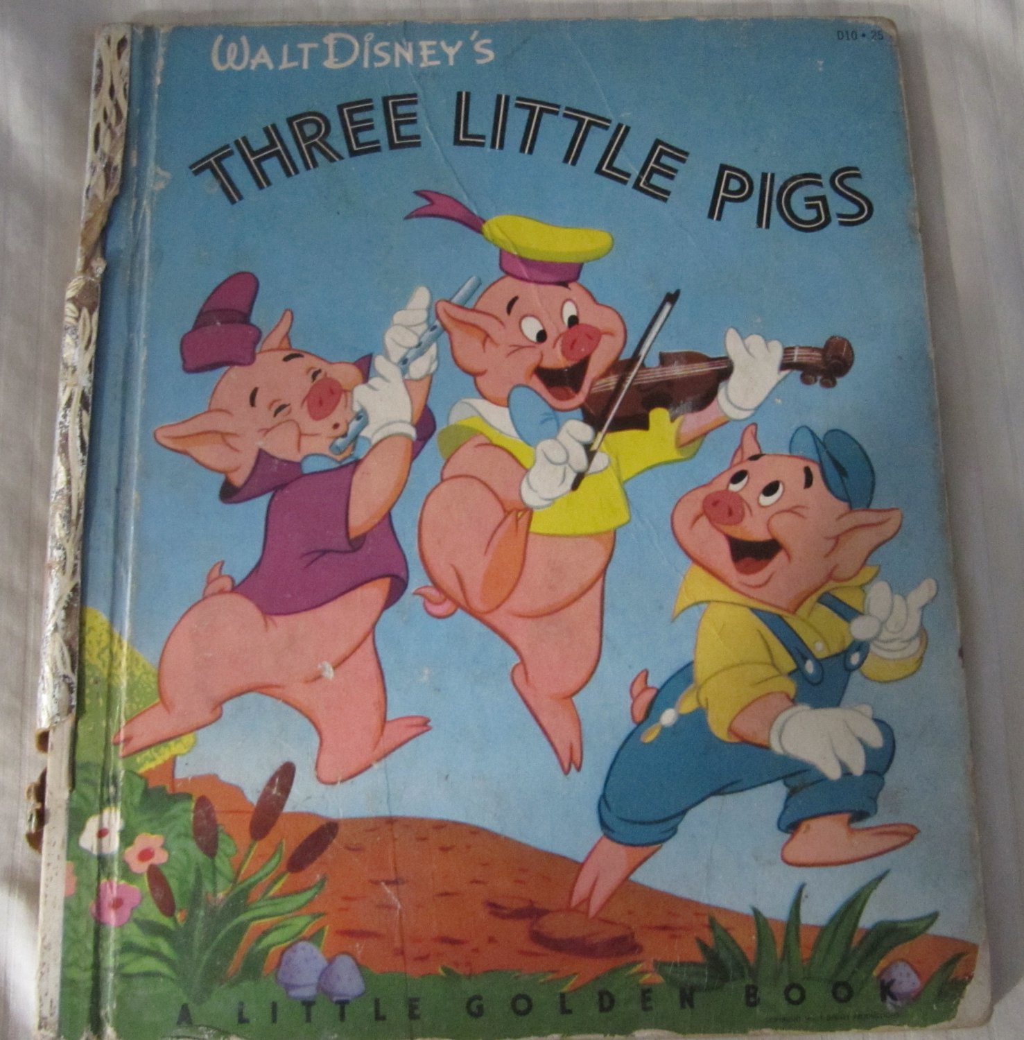 Walt Disney's Three Little Pigs Little Golden Book No. D10 - 25 (c) 1933, 1948