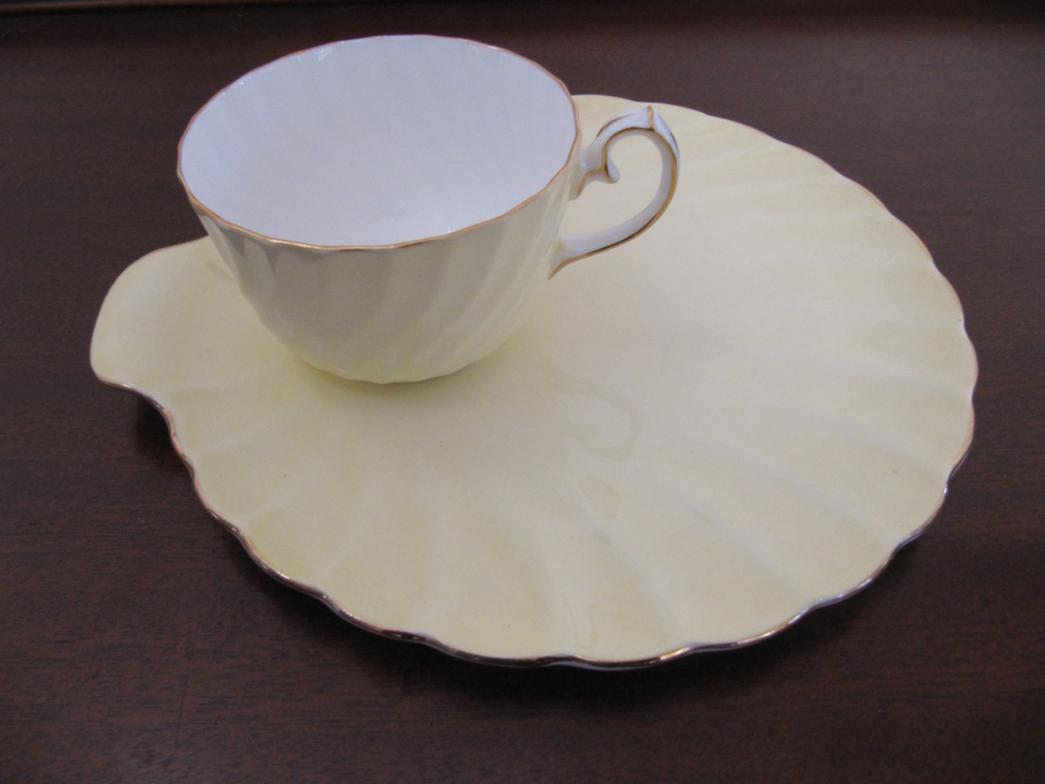 Vintage GLADSTONE Old Grecian Flute Tea & Toast Snack Plate Yellow Gilt Trim Bone China with Teacup